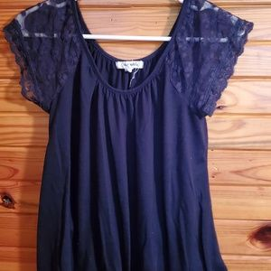 small aeropostale top, lace sleeves